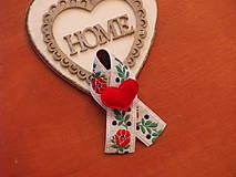 Pierka - Č. 246 Folklórne pierka s červeným srdcom - 9372172_