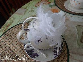 Ozdoby do vlasov - biela & ivory čelenka s perím - 9375488_