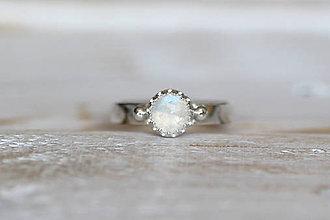 Prstene - Strieborný prsteň s mesačným kameňom - Moon - 9380295_