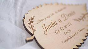 Papiernictvo - Gravírované drevené svadobné oznámenie lístok - 9378074_