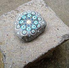 Dekorácie - Gaderský modrý do dlane - Na kameni maľované - 9379932_