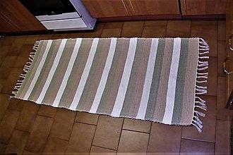 Úžitkový textil - Tkaný bielo-béžovo-zelený koberec - 9381065_