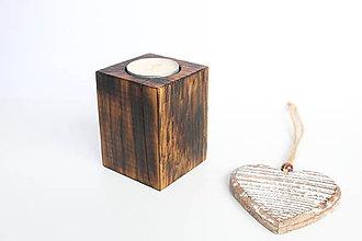 Svietidlá a sviečky - Drevený svietnik