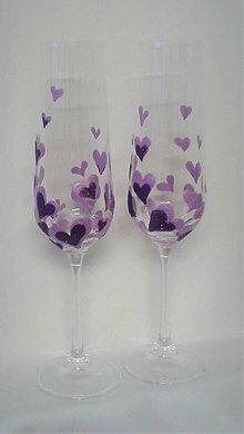 Darčeky pre svadobčanov - Svadobné poháre srdiečkové fialové - 9381486_