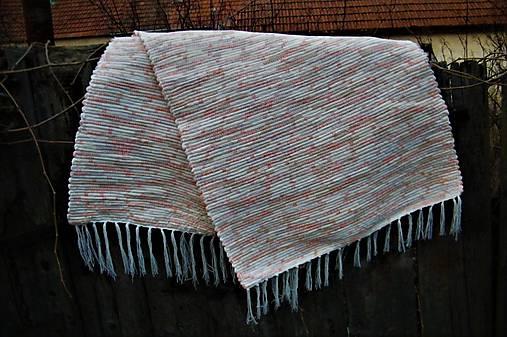 Tkaný koberec béžovo-vanilkovo-marhuľový