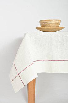 Úžitkový textil - Praný biely ľan so širokým štepom prešitý červenou výšivkou - 9385544_