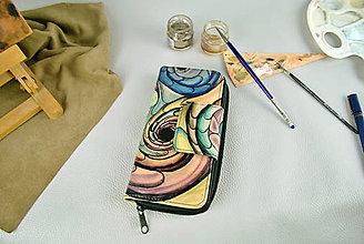 Peňaženky - Ručne maľovaná kožená peňaženka - 9389206_