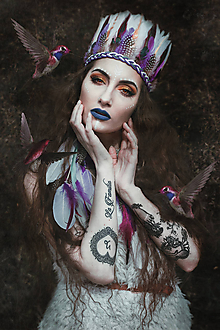 Náušnice - Bohatá fialová náušnica z peria (1 kus) - 9385526_
