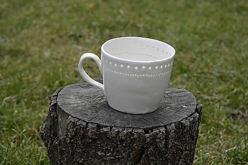 Veľká madeirová porcelánová šálka (Jemnosť)