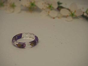 Prstene - Číry prstienok s fialkovými kvetmi - 9387700_