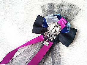 Odznaky/Brošne - Vintage chanel lady (brooch) - 9392817_