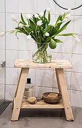stolček s poličkou