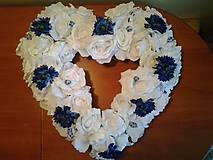 Pierka - folklórne pierka modro-biele s dreveným srdiečkom (Modrá) - 9392214_
