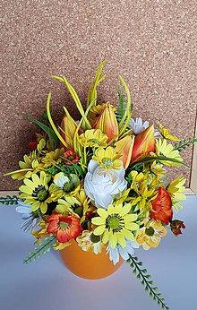 Dekorácie - jarná dekorácia v keramike žltooranžová - 9391907_