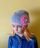 Detské čiapky - Seda bavlnena predlzena s ruzou - 9394823_