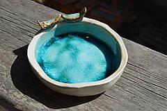 Nádoby - Miska tyrkysovo modrá, s roztopeným sklom a dvoma vtáčikmi II. - 9395401_