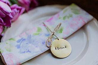 Darčeky pre svadobčanov - Svadobné razené menovky - 9395278_