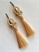 Náušnice - Ručne šité šujtášové náušnice / Soutache earrings - Swarovski  (Adare - béžová/rosegold) - 9395759_