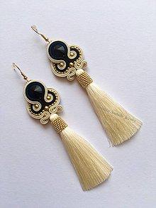Náušnice - Ručne šité šujtášové náušniče / Soutache earrings - Swarovski (Lia - béžová/čierna) - 9395707_
