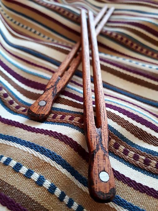 Ihlice do vlasov z mahagónu s cínovým očkom