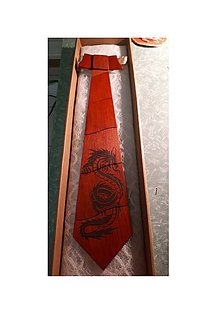 Doplnky - Drevená kravata- dragon - 9396582_