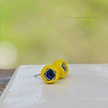 Náušnice - žlto-modré mini napichovačky - 9398754_