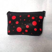 Taštičky - Kozmetická taštička - guľky červené - 9397944_