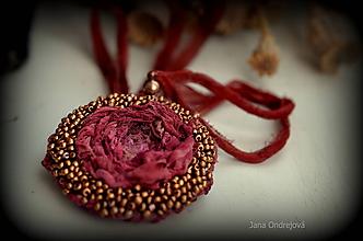 Náhrdelníky - Hodvábno-vlnený náhrdelník - 9397907_