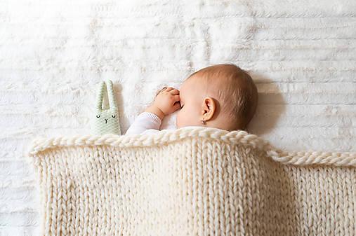 Pletená vlnená deka - prírodná