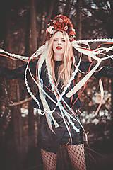 Ozdoby do vlasov - Červená svadobná parta so stuhami a čipkami - 9407867_