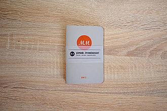 Papiernictvo - Vreckový zápisník s ručne šitou väzbou - sivý (100 stranový) - 9410043_