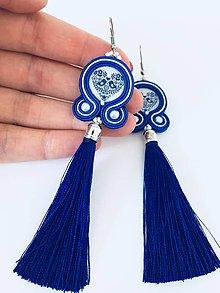 Náušnice - Folklórne strapcové náušnice FOLKI (Kráľovská modrá s bielou) - 9412989_
