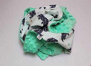 Textil - Minky deka Medveď na prechádzke, mintovo-zelený alebo hnedý, 100x75cm - 9413799_