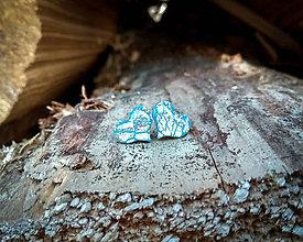Náušnice - Srdiečka 10 mm s kovovým efektom (modro-strieborné) - 9418435_