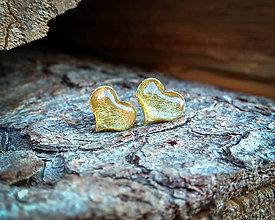 Náušnice - Srdiečka 10 mm s kovovým efektom (zlaté) - 9418504_