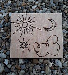 """Hračky - Vypalované drevené kartičky pre deti """"Dedove obrázky"""" (Slniečko-mesiačiková) - 9415361_"""