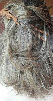 Ozdoby do vlasov - Ihlica do vlasov z mahagónu Vlnky - 9415362_