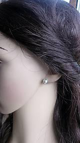 Náušnice - Perly napichovačky menšie - striebro 925 (svetlo sivé, č. 1990) - 9417220_