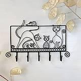 Pre zvieratká - vešiak mačacia rodinka - 9420607_