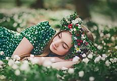 Svieži, jarný greenery venček