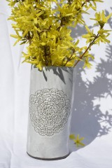 Dekorácie - Keramická čipkovaná vysoká váza - 9421188_