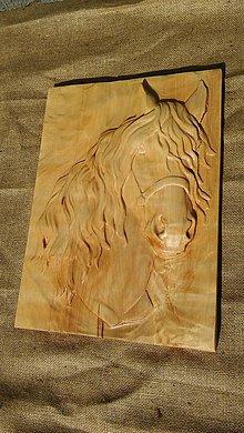 Dekorácie - Drevorezba hlava koňa javorové drevo - 9423404_