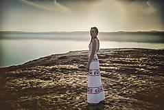 Šaty - zľava %Dlhé úzke vyšívané šaty Slavianka - 9421891_