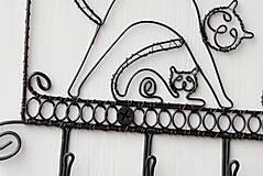 Pre zvieratká - vešiak mačacia rodinka - 9428833_