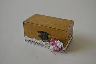 Prstene - krabička na prstienky s malými ružičkami - 9426266_