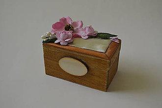 Prstene - krabička na prstienky s veľkými ružičkami - 9426291_