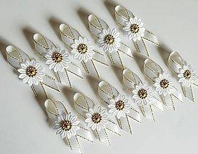 Pierka - pierka zlaté s bielym a krémovým kvietkom - 9426420_