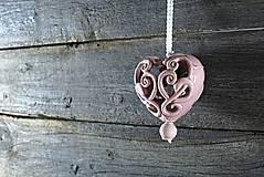 - Vyřezávané srdce lila - 9425317_
