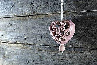 Dekorácie - Vyřezávané srdce lila - 9425317_