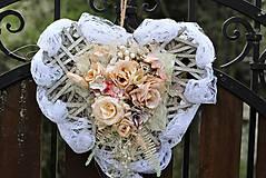 Dekorácie - Srdiečko na svadbu - 9430851_